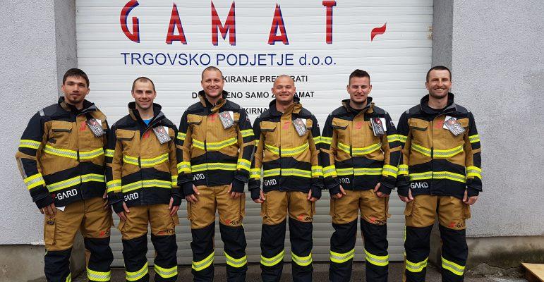 Ekipa S-Gard Team Slovenia na pomerjanju oblek